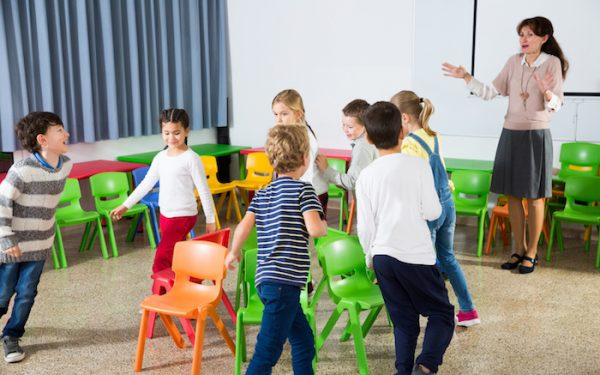 indoor games for kids: musical chairs